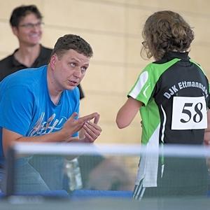 Martin Niederalt als Coach seiner Tochter Christina (DJK Ettmannsdorf)